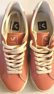 VEJA PINK AND WHITE LEATHER LOW TOP SNEAKERS
